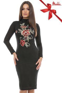 Rochie midi din pulover | Madelia Fashion - Magazin online haine și rochii de damă High Neck Dress, Velvet, Formal Dresses, Collection, Fashion, Turtleneck Dress, Dresses For Formal, Moda, Formal Gowns