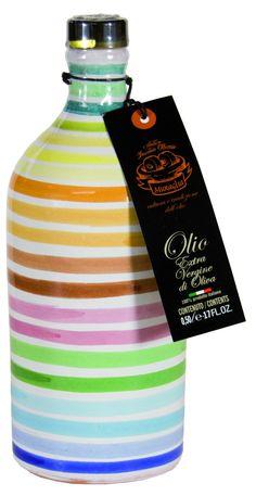 """Oleario Muraglia Olio extra vergine """"Coratina"""" - ein unmittelbar nach der Ernte kaltgepresstes Olivenöl der Sorte """"Coratina"""" mit intensivem Geschmack."""