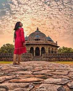 Every Morning writes a different story. Make sure to take every chance you get in life. Because somethings only happen once. In Frame :… Alone Photography, Couple Photography Poses, Amazing Photography, Street Photography, Travel Photography, Nature Pictures, Travel Pictures, Travel Photos, Taj Mahal Sketch