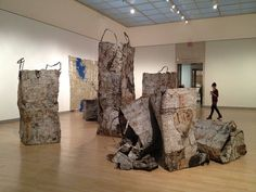 El Anatsui, Ghana. El Anatsui at Brooklyn Museum, 2013.