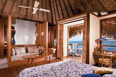Hotel Tahiti Ia Ora Beach Resort - Managed by Sofitel, formerly Le Meridien Tahiti, situated on the beachfront in the Punaauia region, offers