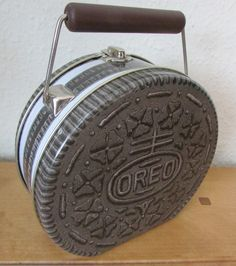 FAB *OREO* CHOCOLATE BISCUIT SHAPED NOVELTY TIN CARRY CASE BAG