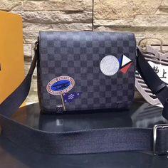 Louis Vuitton Epi Leather Bleecker Box Bag cm-Epi grained-cowhide leather-Microfiber lining-Smooth cowhide-leather trim-Silver-color hardware-Leather top handle-Long removable, adjustable strap-Iconic S-lock clos Louis Vuitton 2017, Louis Vuitton Handbags, Louis Vuitton Damier, Satchel, Crossbody Bag, Tote Bag, Graphite, Authentic Louis Vuitton Bags, Houses