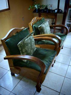 Poltronas anos 50 já restauradas na sala do cliente
