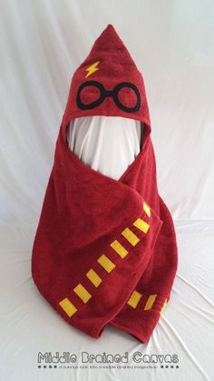 Harry Potter Hooded Towel | Community Post: 19 Things You Need For Your Harry Potter Themed Bathroom