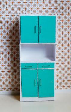 How to: Miniature retro kitchen cabinet.