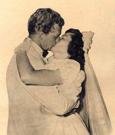 Bill Williams & Barbara Hale on their wedding day Celebrity Wedding Photos, Celebrity Couples, Celebrity Weddings, Wedding Of The Year, Wedding Day, Raymond Burr, Tv Detectives, Cop Show, Childhood Tv Shows