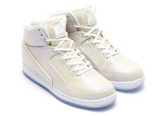 A Detailed Look At The Pearlescent Nike Pythons - SneakerNews.com