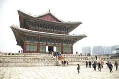 Tour of Gyeongbokgung Palace: http://youtu.be/qtINOtsvS-4  Blog post: http://sweetandtastytv.com/2014/05/14/28-photos-around-gyeongbokgung-palace/