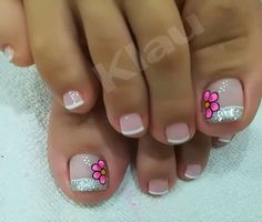 Cute Simple Nails, Cute Nails, Pretty Nails, Cute Pedicure Designs, Toe Nail Designs, French Pedicure, Manicure And Pedicure, Summer Toe Nails, Winter Nails