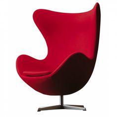 Fauteuil Egg Arne Jacobsen - Un fauteuil vous enveloppant comme un cocon. Tel est le fauteuil Egg, conçu pour vous isoler et vous protéger dans un endroit passant. Arne Jacobsen avait vu juste pour notre confort, pour notre sens esthétique aussi. Quoi de plus pur que la forme d'un œuf ?