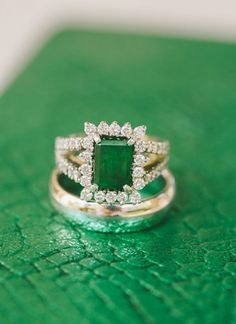 gorgeous green engagement ring | Matt & Julie Weddings