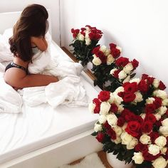 🦹🏾‍♂🦹‍♀Romantic Surprise for him? True Love,c. 🦹🏾‍♂🦹‍♀Romantic Surprise for him? Romantic Surprises For Him, Silk Bedding, Luxury Flowers, Perfect Couple, Cute Relationships, Relationship Tips, Girls Image, Lany, Cute Couples