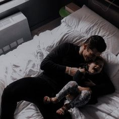 Father And Baby, Dad Baby, Cute Family, Family Goals, Whatsapp Logo, Cute Couple Selfies, Elle Kennedy, Cute Poses, Cute Baby Pictures
