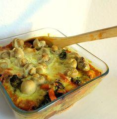 Saftiges Hähnchen mit knackigem Gemüse und knusprigem Käse