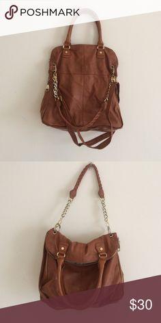 Steve Madden shoulder bag Gently used tan Steve Madden bag super cute slouchy look. Make an offer! Steve Madden Bags Shoulder Bags