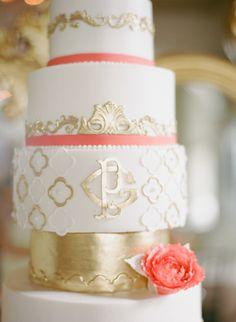 #gold #monogrammed wedding #cake