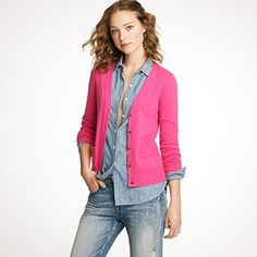 V-neck cardigans: a study in proportion.   This v-neck cardi looks great with the unbuttoned untucked chambray.  Am also loving the chambray/fuschia colour combo!