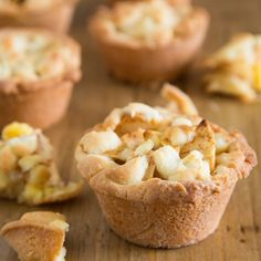 Make the classic Dutch apple pie in a different way, like these mini apple pies. With the FunCakes mix for Cookies and a muffin pan it is easy to make these mini apple pies. Just fill up the pan with custard cream and a delicious apple mixture. Dutch Recipes, Sweet Recipes, Cake Recipes, Pie Cake, No Bake Cake, Cookie Desserts, Easy Desserts, Mini Apple Pies, Apple Tarts