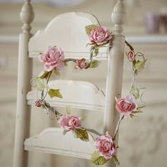 Shabby Chic home decor info ref 3359812181 to attain for one delightfully smashing, comfortable escape. Why not pop by the pin decor this second for extra styling. Shabby Vintage, Rosa Shabby Chic, Style Shabby Chic, Shabby Chic Decor, Shabby Chic Bedrooms, Shabby Chic Homes, Rose Cottage, Cottage Chic, Romantic Cottage