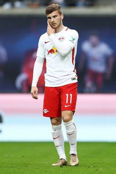 Timo Werner Photos - Timo Werner of Leipzig gesticulated during the Bundesliga match between RB Leipzig and SC Freiburg at Red Bull Arena on April 2017 in Leipzig, Germany. - RB Leipzig v SC Freiburg - Bundesliga Sc Freiburg, G Eazy, Music Wallpaper, Cristiano Ronaldo, Football Players, Red Bull, My Dad, Germany, Soccer