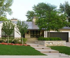 Want to give your ranch-style home major curb appeal? Check out these awesome id… Want to give your ranch-style home major curb appeal? Check out. Exterior Colors, Exterior Paint, Exterior Design, Stone Exterior, Ranch Exterior, Modern Ranch, Ranch Style Homes, Ranch Homes, Garage Makeover