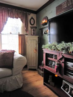 beth's country primitive home decor Primitive Living Room, Primitive Country Homes, Primitive Bathrooms, Primitive Furniture, Farmhouse Furniture, Farmhouse Decor, Country Farmhouse, Country Sofas, Country Furniture