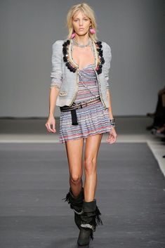 Isabel Marant Spring 2010 Ready-to-Wear Fashion Show - Anja Rubik