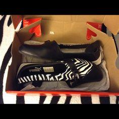 Rare! Puma Espera zebra flats Beautiful like new black, white and zebra print  NO RETURNS! Women 8 Puma Shoes Flats & Loafers