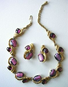 Elsa Schiaparelli vintage necklace earrings demi set purple pink glass striated