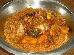 Le Thieboudienne Sénégalais est aussi connu sous Riz au gras en Côte d'Ivoire, en Guinée et autre pays d'Afrique de l'ouest mais aussi sous Jollof Rice (Riz de Jollof) au Nigeria et au Ghana. La réalisation de la recette du Thiéboudienne vous prendra...