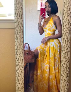Mar 2020 - Plunge neck maxi dress floral yellow vacation fashion outfit Source by Beccachronicles fashion black girl Date Outfits, Classy Outfits, Chic Outfits, Girl Outfits, Fashion Outfits, Fashion Tips, Winter Dress Outfits, Casual Dress Outfits, Casual Summer Outfits