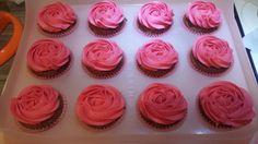 Cupcakes pink simple roses
