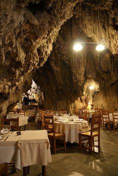 Restaurant La Grotte, trans en Provence France