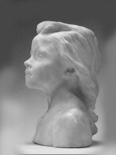 Скульптура девочки
