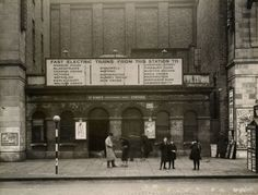 St Mary's station changed its name to Whitechapel Road in It closed in suffering too much war damage to ever reopen. Liverpool Street, Electric Train, Mansions Homes, London Underground, Old London, Surrey, Back In The Day, Street View, Park