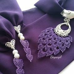 This Pin was discovered by Hül Crochet Unique, Crochet Jumper, Malva, Hairpin Lace, Diy Ribbon, Ribbon Flower, Passementerie, Lace Scarf, Needle Lace