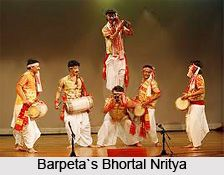 Barpeta's Bhortal Nritya is one of the most popular dances performed in the Assam state of India. People who belong to all age group and cultural background enjoy this dance. for more visit the page. #folkdance #dance #folkart