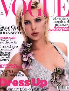 Magazine photos featuring Scarlett Johansson on the cover. Scarlett Johansson magazine cover photos, back issues and newstand editions. Vogue Magazine Covers, Fashion Magazine Cover, Fashion Cover, Vogue Covers, Best Fashion Magazines, Fashion Books, Vogue Uk, Vogue Fashion, Scarlett Johansson