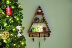 DIY Holiday Tree Shelf...with Nativity Blocks! |via www.makeit-loveit.com