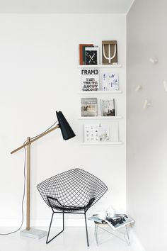 Filly LN is a magnificent floor light that is at its best when there is room around it. Filly's interesting origami-like shade is created by bending aluminium. Beautiful Space, Beautiful Homes, Lamp Socket, Lamp Design, Solid Oak, Aluminium, Interior Inspiration, A Table, Floor Lamp