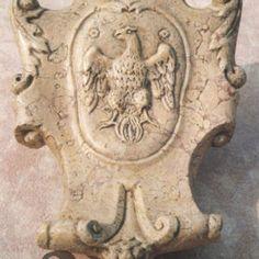 Stemma in marmo Nembro Rosato