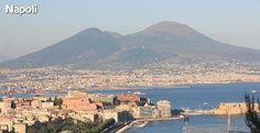 Panorama di Napoli con il Vesuvio