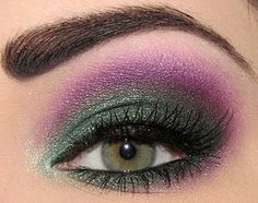 purple green eyeshadow | Purple & green eyeshadow by Josi Van Kit | makeup