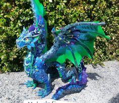 Benutzerdefinierte Drachen Skulptur von MakoslaCreations auf Etsy
