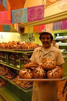 El pan de muerto no espera, ¿por qué habría de esperar el café?