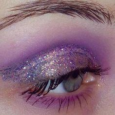 T̢̟̥͙̙̪̠ͥ̈́͒ͮ͒a̯̩̦͙ͯp̛̗̟͔͚ͥ͗̓̔̎ͫi̶̲̪̮͒̄ͫ̀́̚w͕̪̲̪̣͒̈̎ͥͅả̠͉̂͒̈̎ͬ͝ ̞͙̫ͬ̈́ͤ͐ͥM̷͈̦̄̈͌̔ͮ͛̎ả̦̙͍͓̠̞̪̑̂̔z̧̝̫͂̈́i͚ͪ̆b͉̂ͮ̒ͤ̓̊͝u̯̮̫̖ͧ̓̈́ͨ͡k̤͈̼̘͉̊̍̈́̄̃o͍̒͐͛ Glitter Background, Human Eye, Eyes, Cat Eyes