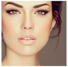 Gorgeous natural makeup looks great because liner is dramatic and skin is gorgeous and glowing!