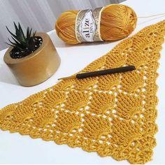 Ideas Crochet Baby Shawl Pattern Blankets For 2020 Crochet Baby Shawl, Crochet Prayer Shawls, Knitted Shawls, Free Crochet, Diy Crafts Knitting, Diy Crafts Crochet, Knitting Yarn, Baby Knitting Patterns, Baby Patterns