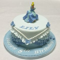 #Cinderella has to be the most popular #DisneyPrincess there is! #BirthdayCakes #ChildrensBirthdayCakes